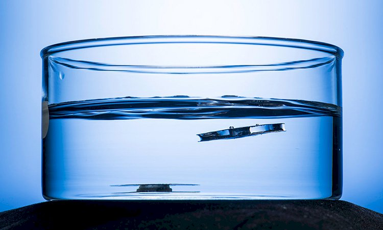 Unsinkable Metal's Scientism and Superhydrophobic Theory